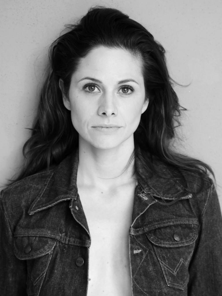 Ellenie Salvo González - FullProfile von Schauspielervideos